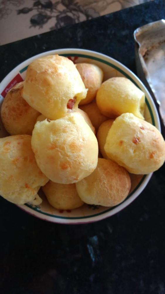 Pão de Queijo Calabresa e Queijo com Pimenta